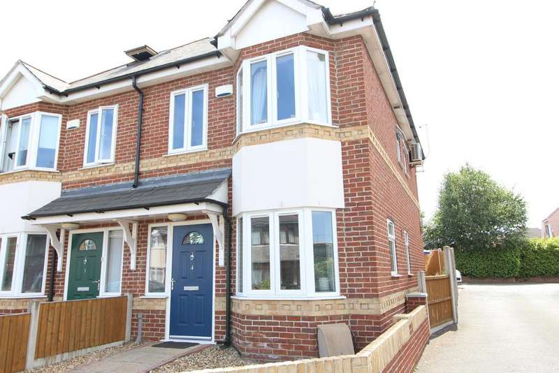 3 Bedrooms Semi Detached House for sale in Columbia Road, Bournmeouth,