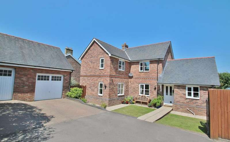 4 Bedrooms Detached House for sale in Allaston Road, Lydney, GL15