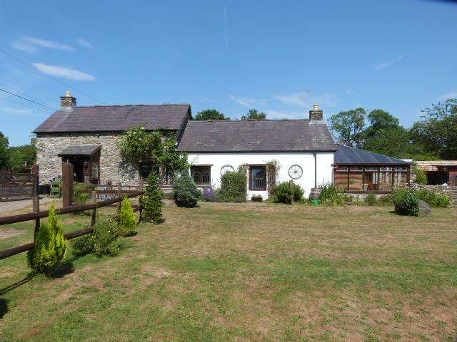 3 Bedrooms Barn Conversion Character Property for sale in Llanybydder CEREDIGION