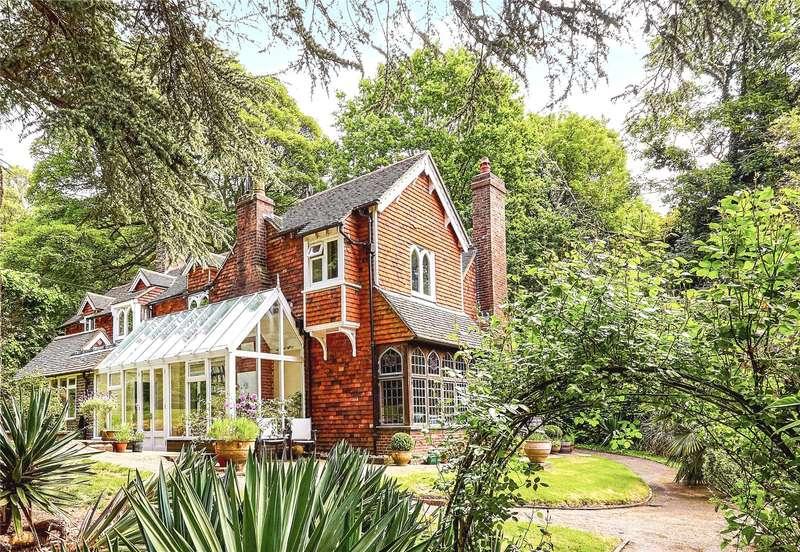6 Bedrooms Detached House for sale in The Common, Tunbridge Wells, Kent, TN4
