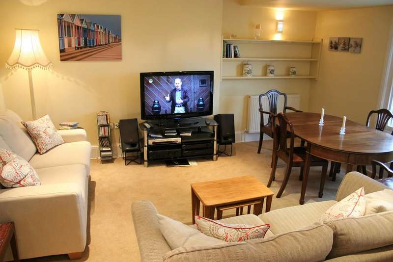 2 Bedrooms Apartment Flat for sale in Farleigh House, 39C High Street, Southwold