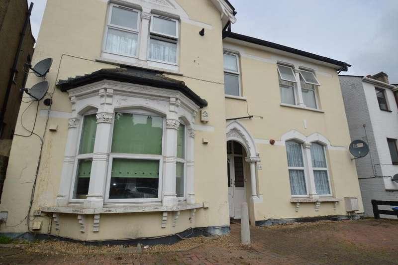1 Bedroom Flat for sale in Eglinton Hill, Woolwich, London SE18