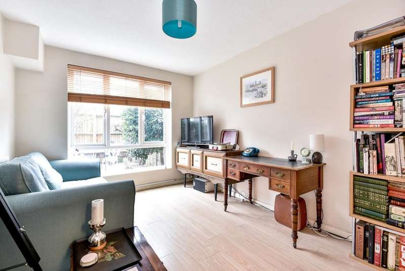 1 Bedroom Flat for sale in Adamsrill Road London SE26
