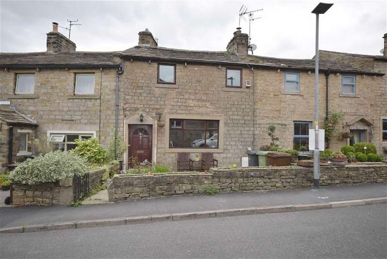 2 Bedrooms Cottage House for sale in Waterloo Road, Kelbrook, Lancashire