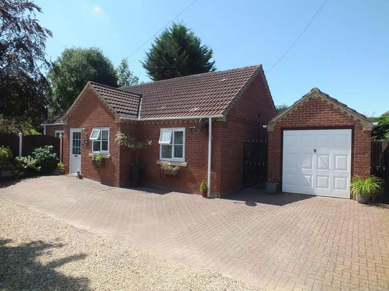 2 Bedrooms Detached Bungalow for sale in Redmile Lane, Pinchbeck