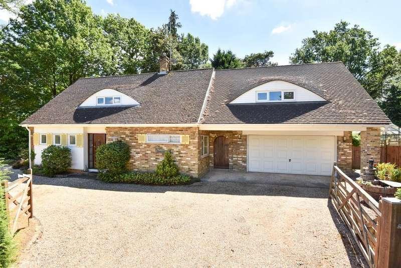 5 Bedrooms Detached House for sale in Lightwater, Surrey, GU18