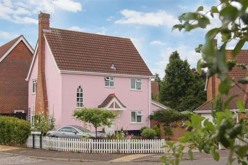 3 Bedrooms Detached House for sale in Bluebell Avenue, Bury St. Edmunds