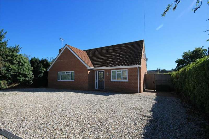 3 Bedrooms Detached Bungalow for sale in Hartmead Road, THATCHAM, RG19