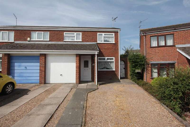 3 Bedrooms Semi Detached House for sale in Northleigh Way, Earl Shilton