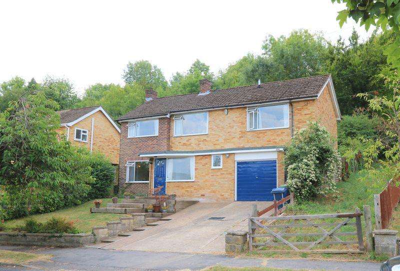 4 Bedrooms Detached House for sale in Backing National Trust Forestry - Views Across Hughenden Valley