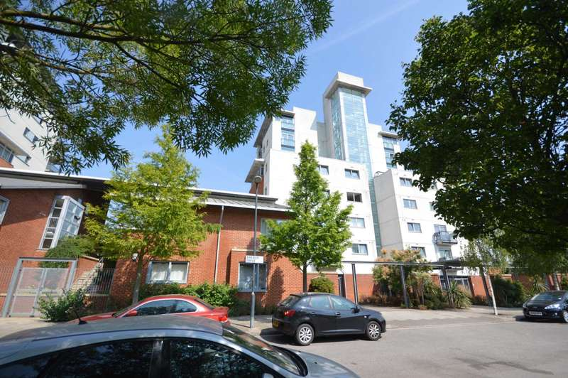 1 Bedroom Apartment Flat for sale in Erebus Drive, Thamesmead