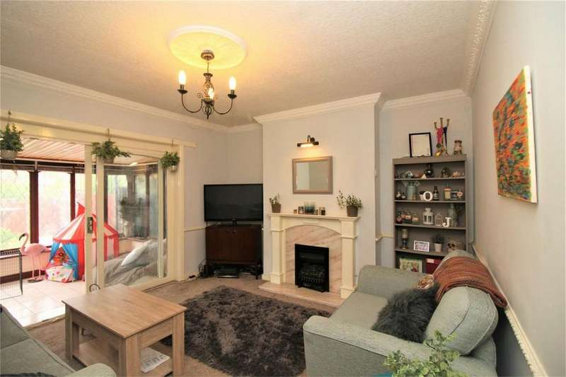 4 Bedrooms Semi Detached Bungalow for sale in Rainshaw Street, BOLTON, Lancashire