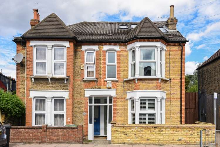 4 Bedrooms Semi Detached House for sale in Longhurst Road London SE13