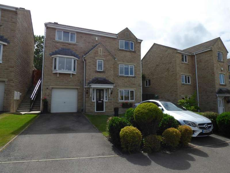 4 Bedrooms Detached House for sale in Oakfield Drive, Mirfield, WF14 8PX