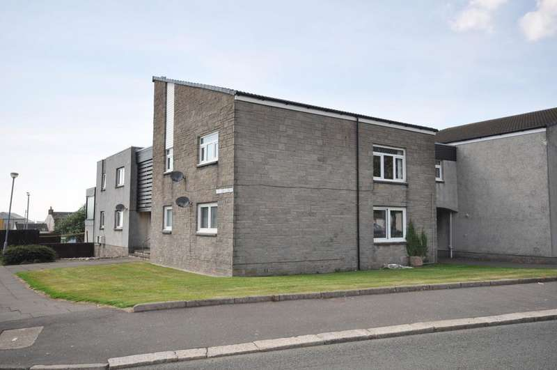 3 Bedrooms Flat for sale in 2 McMillan Court, Girvan KA26