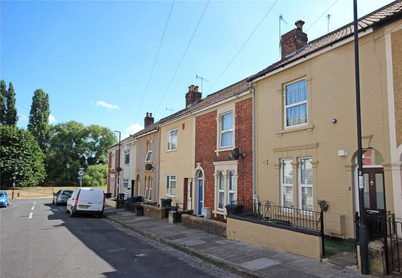 2 Bedrooms Terraced House for sale in Ford Street, Lawrence Hill, Bristol, BS5