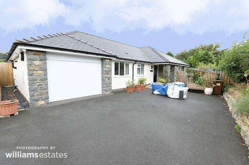 3 Bedrooms Detached Bungalow for sale in Llandderfel, Bala