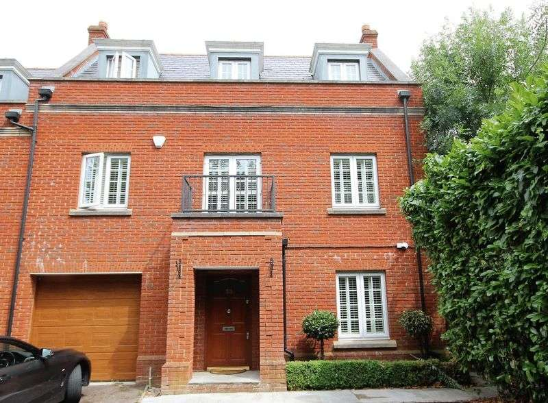 3 Bedrooms Property for sale in Osborne Heights, Warley, Brentwood