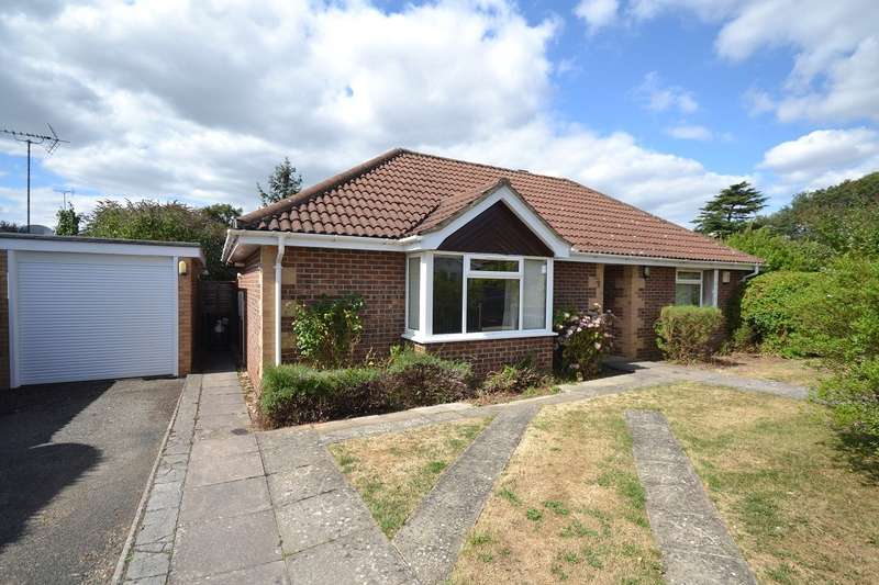 3 Bedrooms Bungalow for sale in Lymington Gate, Caversham Heights, Reading