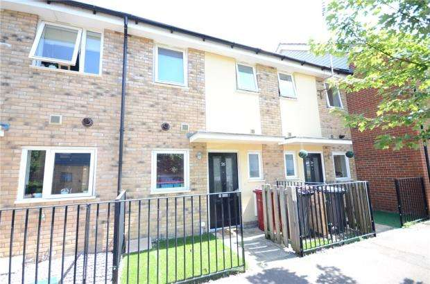 2 Bedrooms Terraced House for sale in Glenmore Place, Tilehurst, Reading