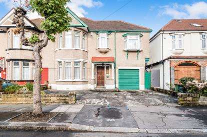4 Bedrooms Semi Detached House for sale in Ilford, Essex, United Kingdom