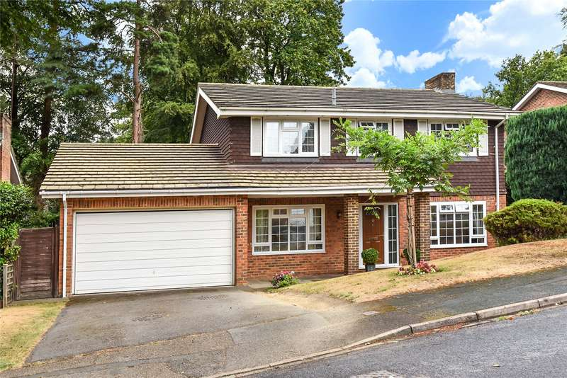 4 Bedrooms Detached House for rent in Stockwood Rise, Camberley, Surrey, GU15