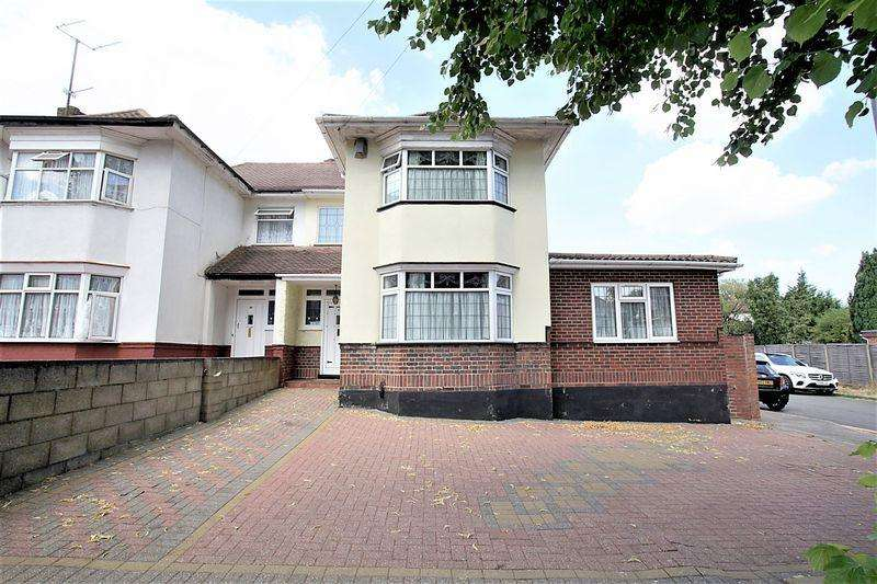 5 Bedrooms Semi Detached House for sale in **Tree Lined Avenue**