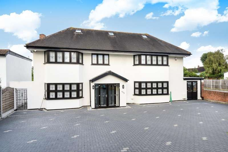 6 Bedrooms Detached House for sale in Green Lane London SE9