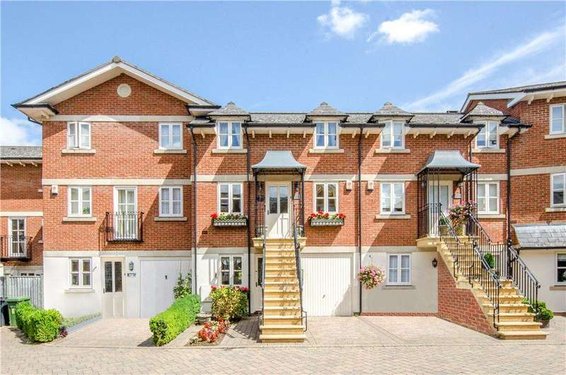 3 Bedrooms Terraced House for sale in Hamilton Square, Easy Row, Worcester, Worcestershire, WR1