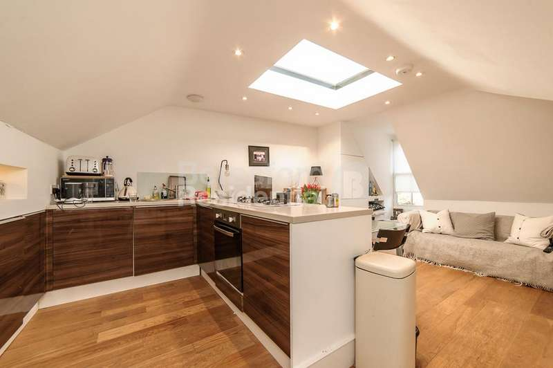 1 Bedroom Flat for sale in Brixton Hill, Brixton, SW2