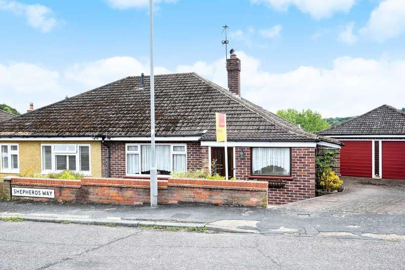 2 Bedrooms Bungalow for sale in Chesham, Buckinghamshire, HP5