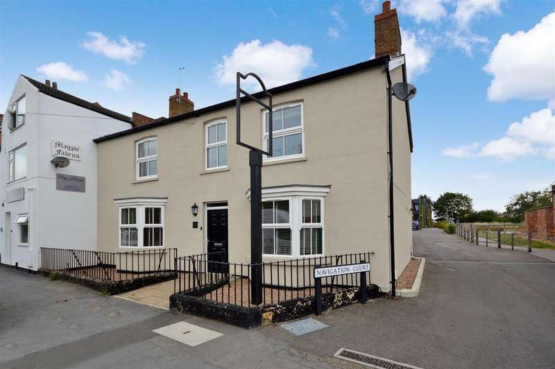 4 Bedrooms House for sale in Bridge Street, Saxilby, Lincoln