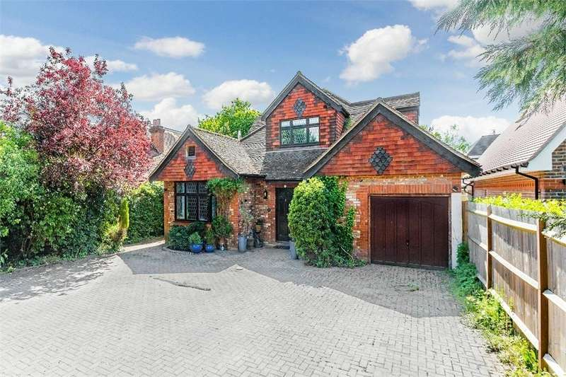 4 Bedrooms Detached House for sale in Newton Lane, Old Windsor, Berkshire