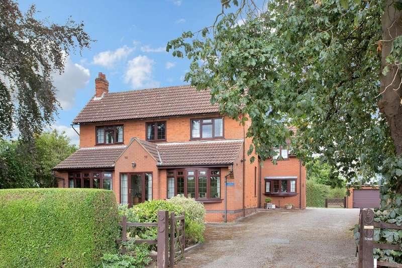 5 Bedrooms Detached House for sale in Trentside, Gunthorpe, Nottingham