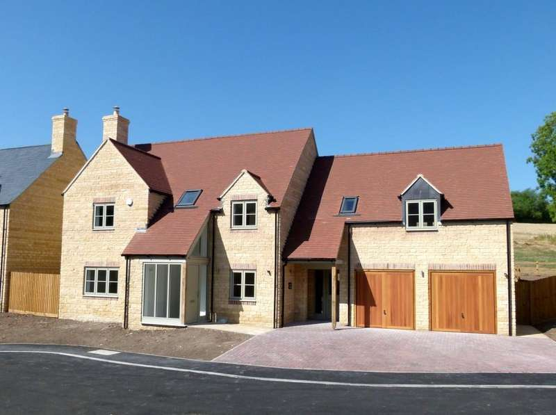 5 Bedrooms Detached House for sale in Stow House, Park Court, Long Compton