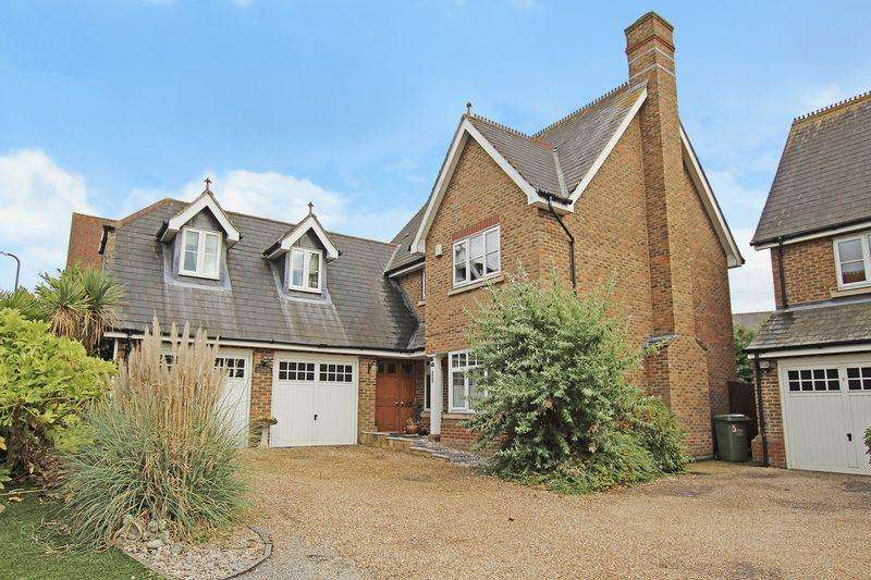 5 Bedrooms Detached House for sale in Pucknells Close, Swanley