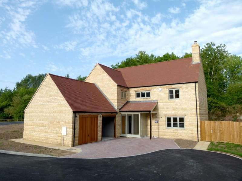 3 Bedrooms Detached House for sale in Bourton House, Park Court, Long Compton