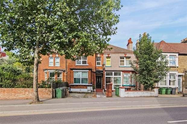 2 Bedrooms Flat for sale in Blackhorse Road, Walthamstow, London
