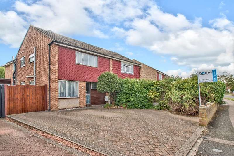 4 Bedrooms Semi Detached House for sale in Chiltern Avenue, Bedford, MK41 9EH