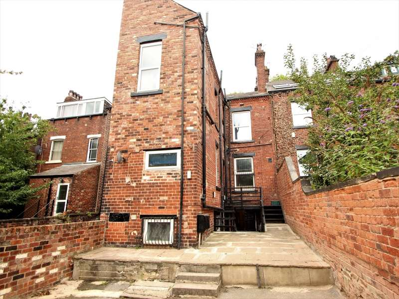 10 Bedrooms Terraced House for rent in Hanover Square, University, Leeds