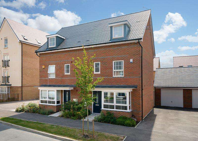 4 Bedrooms Town House for sale in Design Drive, Dunstable