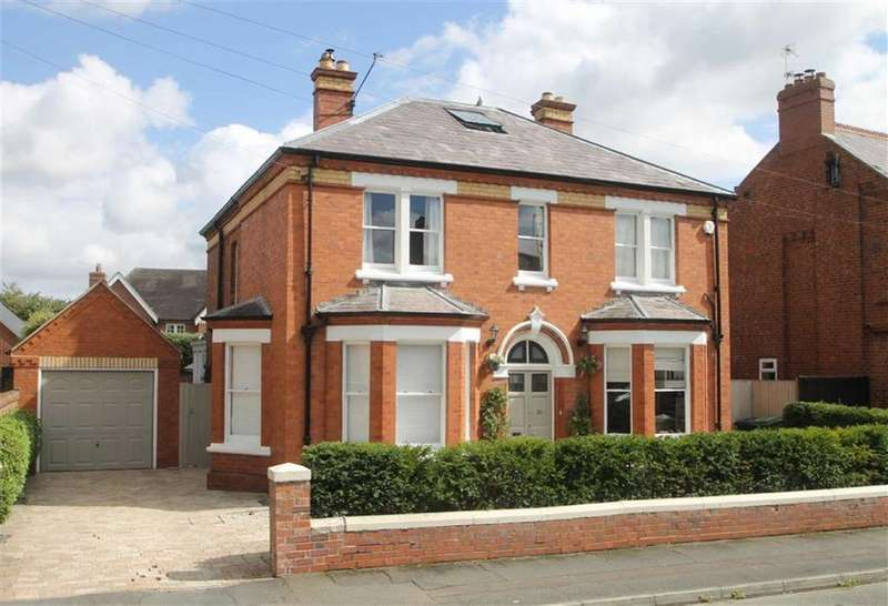 5 Bedrooms Detached House for sale in North Hermitage, Belle Vue, Shrewsbury