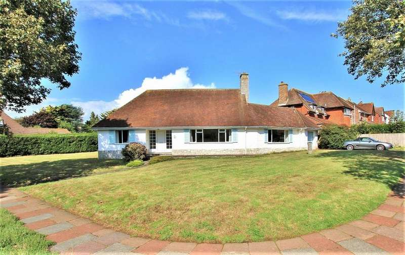 3 Bedrooms Detached Bungalow for sale in Chyngton Way, Seaford