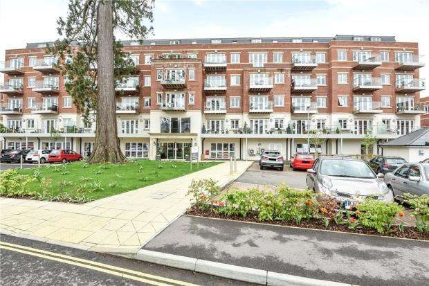 2 Bedrooms Apartment Flat for sale in Cedar Lodge, Lynwood Village, Rise Road