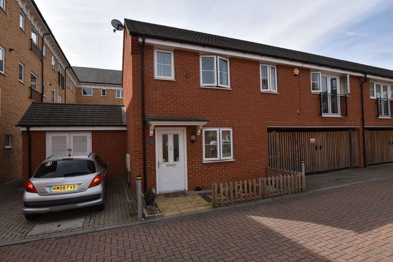 3 Bedrooms Semi Detached House for sale in Baxter Road, Watford