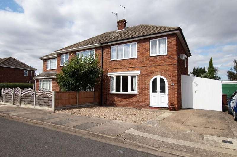 3 Bedrooms Semi Detached House for sale in Lansdowne Avenue, Lincoln