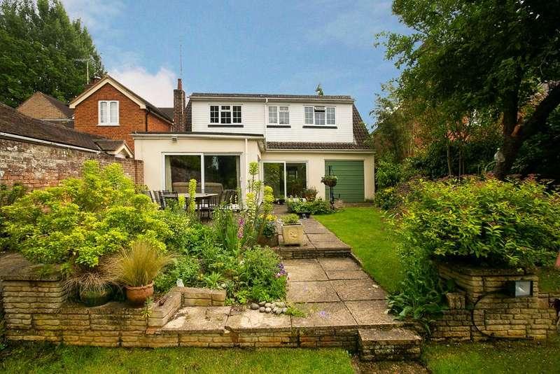 4 Bedrooms Detached House for sale in Finchampstead, Wokingham