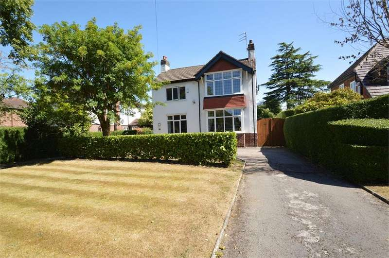 4 Bedrooms Detached House for sale in The Avenue, Sale, M33