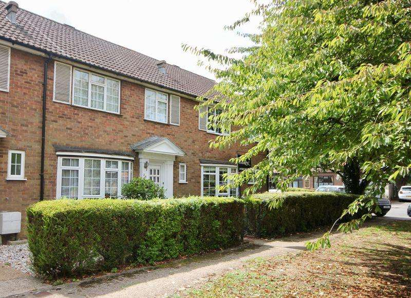 3 Bedrooms Terraced House for sale in The Green, Caddington. No Upper Chain