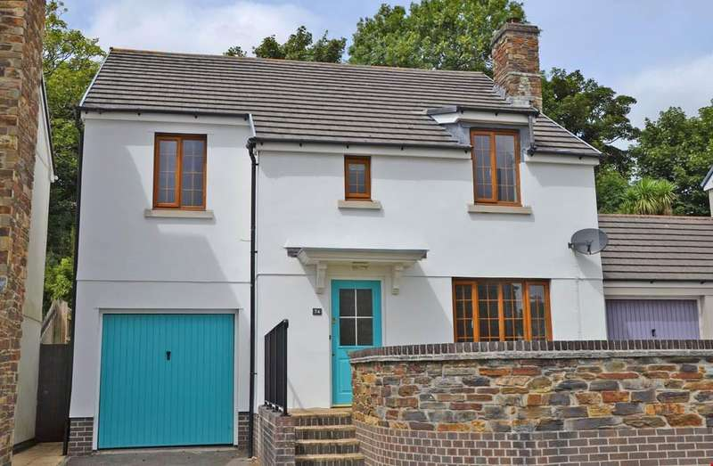 4 Bedrooms Detached House for sale in Truro, Cornwall, TR1